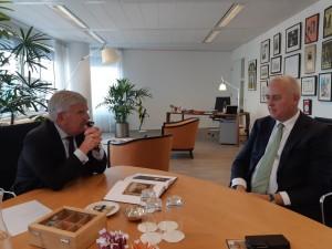 Theo Kralt en de burgemeester van Den Haag